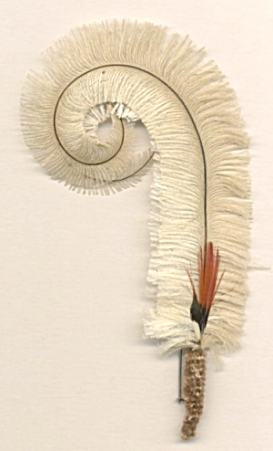 Vintage Curled Feather Pin (Image1)