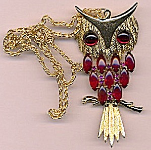 Vintage Moveable Owl Necklace  (Image1)