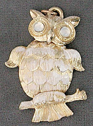 Vintage Gold and White Jointed Owl Pendant (Image1)