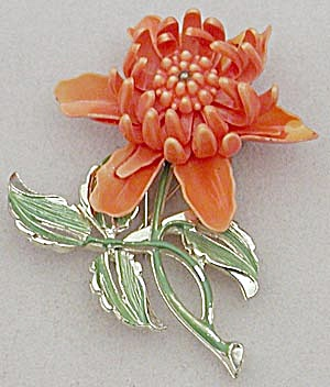 Vintage Orange Flower Pin (Image1)