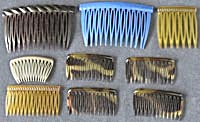 Vintage Assortment of Plastic Hair Combs (Image1)