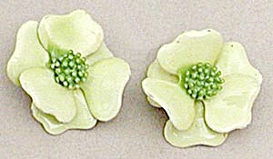 Vintage Lime Green Flower Earrings (Image1)
