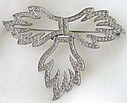 Vintage Rhinestone 3 Leaf brooch (Image1)