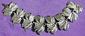 Vintage Silvertone Leaf Bracelet (Image1)