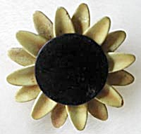 Vintage Sandor Sunflower Pin (Image1)