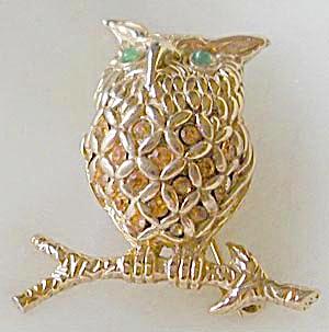 Vintage Ciner Owl Pin (Image1)