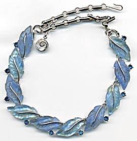 Vintage Lisner Blue Iridescent Necklace (Image1)