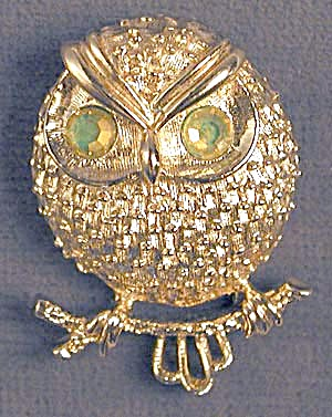 Sarah Coventry Owl Pin (Image1)