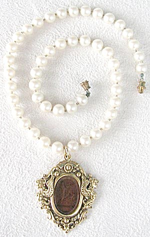 Goldett Reversed Intaglio Glass Faux Pearl Necklace (Image1)