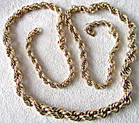 Vintage Heavy Monet Necklace (Image1)