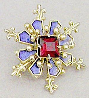 Tiny Snowflake Rhinestone & Faux Pearl Pin (Image1)