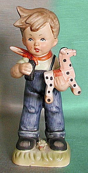Vintage Little Boy Figurine (Image1)