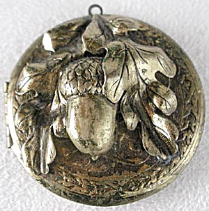 Vintage Large Acorn Locket (Image1)