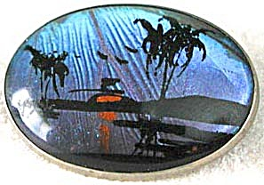 Vintage Butterfly Wing Oval Pin (Image1)