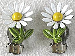 Vintage Metal Daisy Clip Earrings