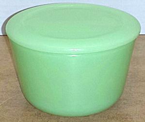 McKee Jadeite Refrigerator Glass Round Storage Con. (Image1)