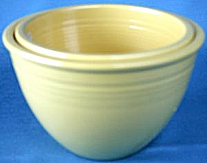 Vintage Fiesta  Yellow  Mixing Bowls Set of 2 (Image1)