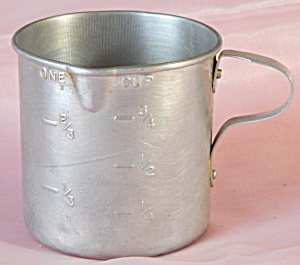 Aluminum Measuring Cup With Handle