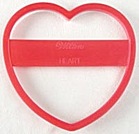 "Large Wilton 7"" Heart Cookie Cutter (Image1)"