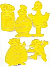 Vintage Wilton Sesame Street Cookie Cutters Set of 5  (Image1)