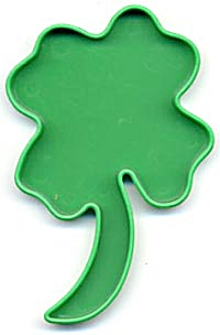 Vintage Tupperware Shamrock Cookie Cutter (Image1)
