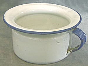 Vintage Child's Graniteware Chamber Pot (Image1)