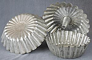Vintage Tin Cake Pans Fluted Edges Set Of 3