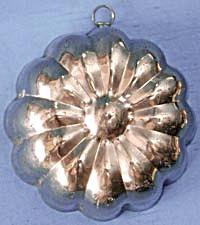 Vintage Copper Mold Flower Design (Image1)