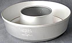 Vintage Large Aluminum Ring Mold (Image1)