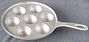 Vintage Cast Aluminum 7 Egg Poaching Pan
