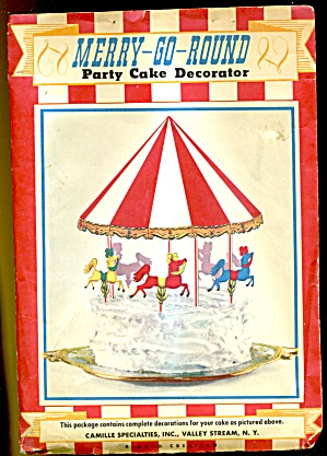 Vintage Merry-Go-Round Party Cake Decorator (Image1)