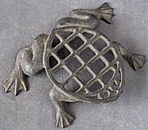 Vintage Black Iron Frog Trivet (Image1)