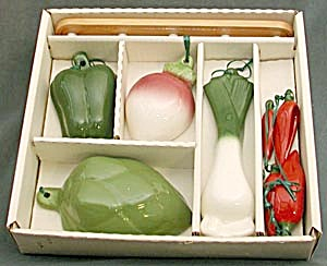 Vintage Vegetable Measuring Set