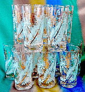 Vintage Feather Drinking Gasses Set Of 12