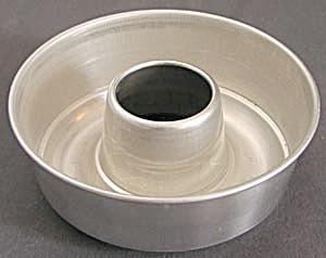 Vintage Aluminum Ring Jello Mold (Image1)