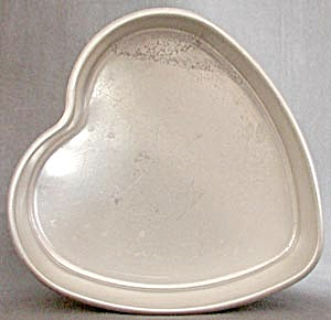 Vintage Deep Heart Cake or Jello Pan (Image1)