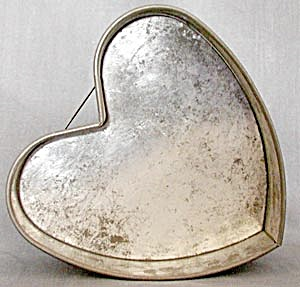 Vintage Heart Springform Pan