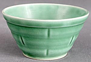 Vintage Green Mixing Bowl (Image1)