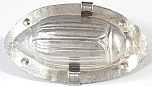 Vintage Metel Beetle Chocolate Mold (Image1)