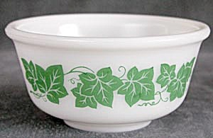 Vintage Hazel Atlas Ivy Glass Mixing Bowls (Image1)