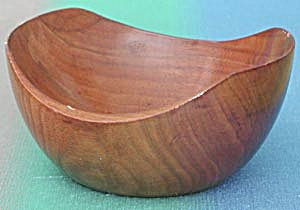 Wooden Half Sphere Bowl (Image1)