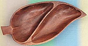 Monkey Pod Divided Leaf Bowl (Image1)