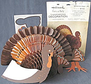 Hallmark Thanksgiving Honeycomb Turkey Decoration (Image1)