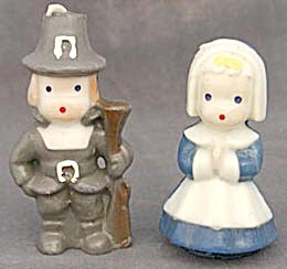 Vintage Pair of Thanksgiving Pilgrim Candles (Image1)