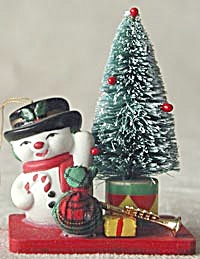 Snowman with Gifts Christmas Ornament (Image1)