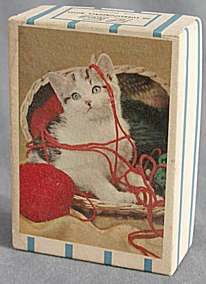 Vintage Box with Kitten and Yarn on Lid (Image1)