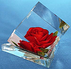 Vintage Red Rose Lucite Paperweight (Image1)