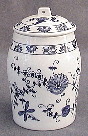 Vienna Woods Canister (Image1)