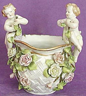 Porcelain Cherub Cache Pot (Image1)
