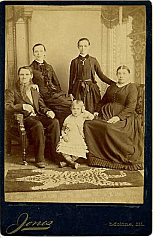 Antique Photo Family Portrait Moline Ill. (Image1)